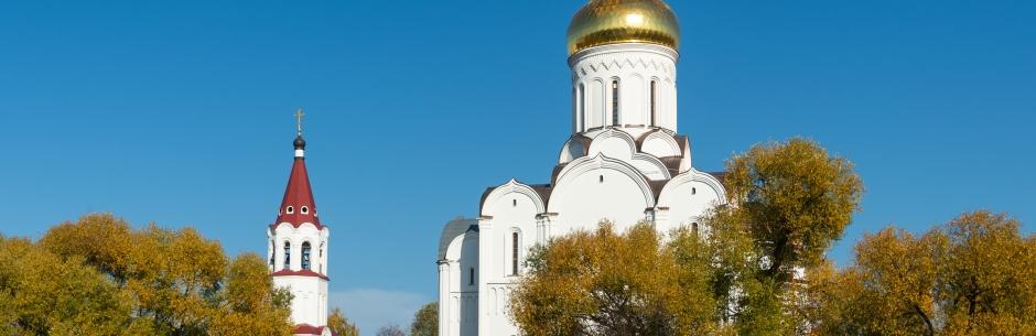 Покровский храм - осенью